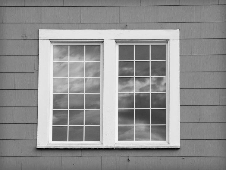 Simpe White Craftsman Exterior Window Trim