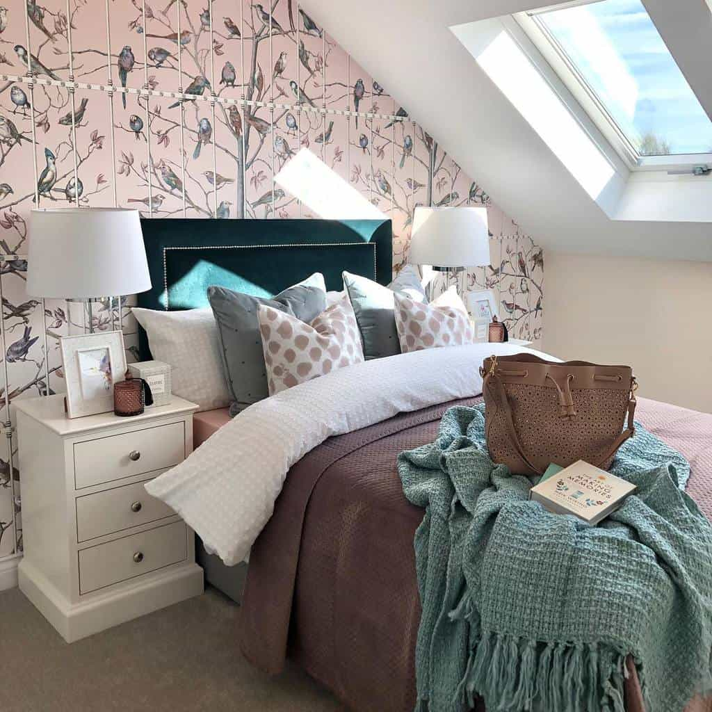 simple and light colored bedroom wallpaper ideas etchinteriors