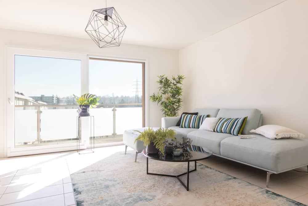 Simple Apartment Minimalist Living Room 3