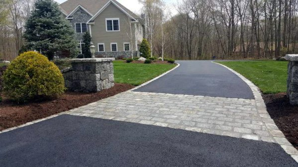 Simple Asphalt Driveway Edging Inspiration