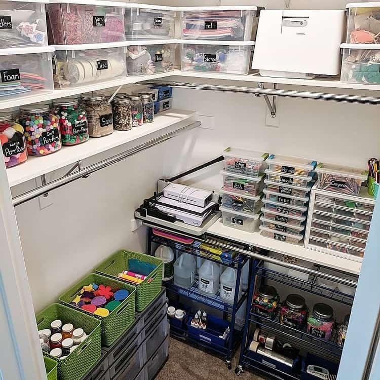 Simple Craft Room