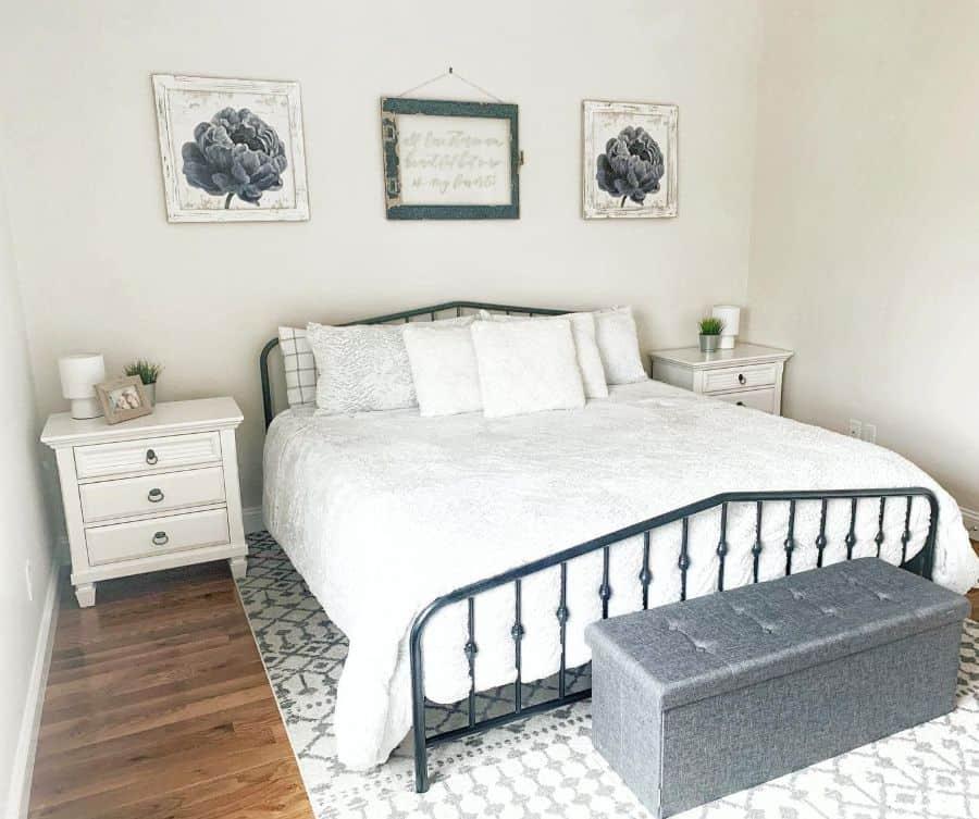 simple farmhouse bedroom ideas carlanerylopes