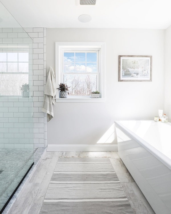 Simple Minimalist White Farmhouse Bathroom Backrhodesrealestatephoto