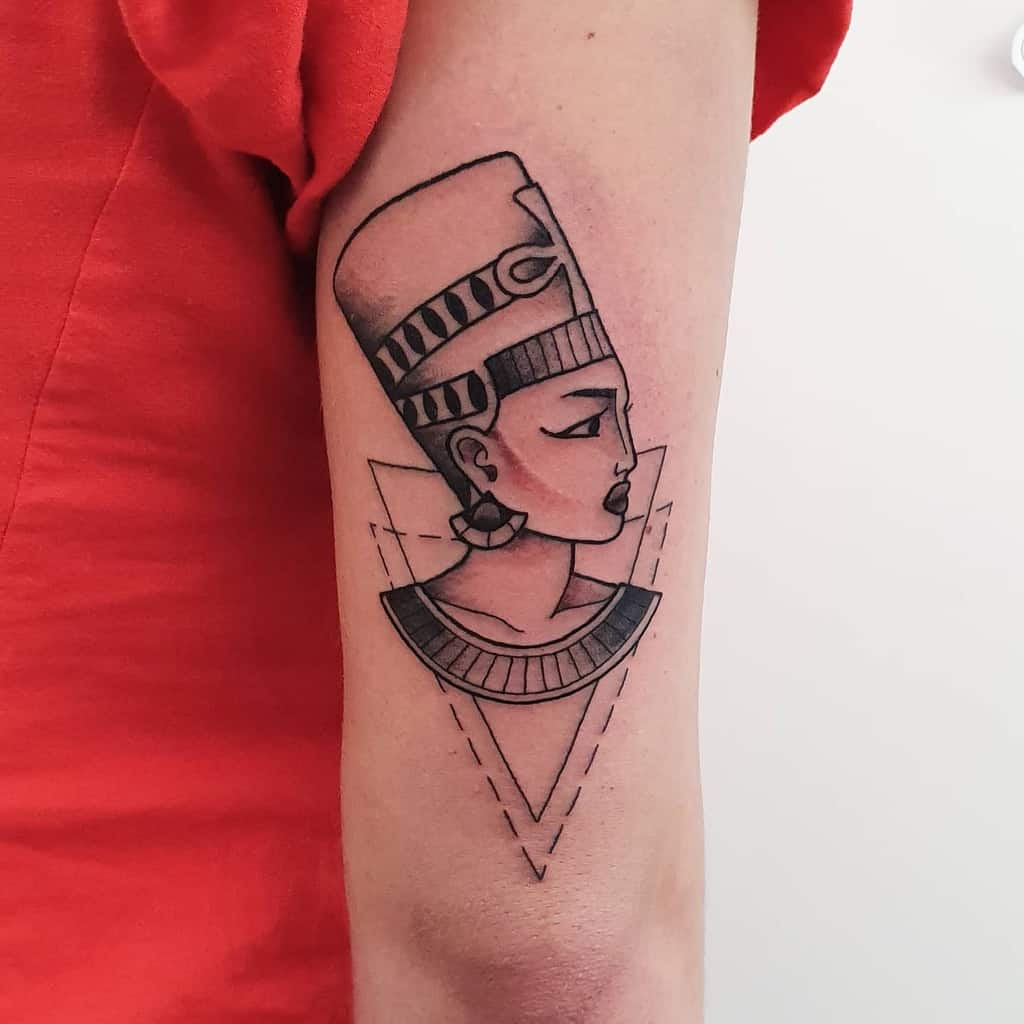 Simple Nefertiti Tattoos Stella.echo