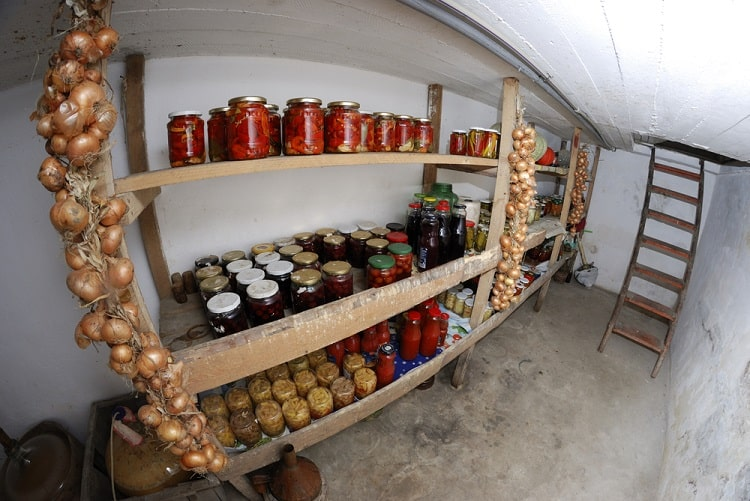 Simple Old Basement Food Storage Ideas