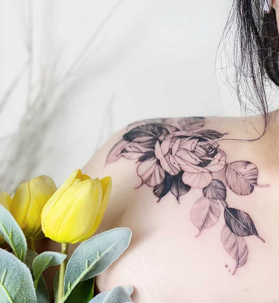 simple rose shoulder tattoos koizhou_tattooist