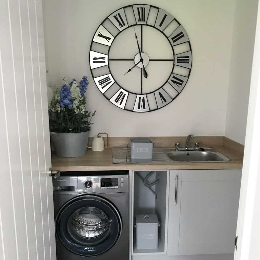 Simple Small Laundry Room Our Bellway Plane
