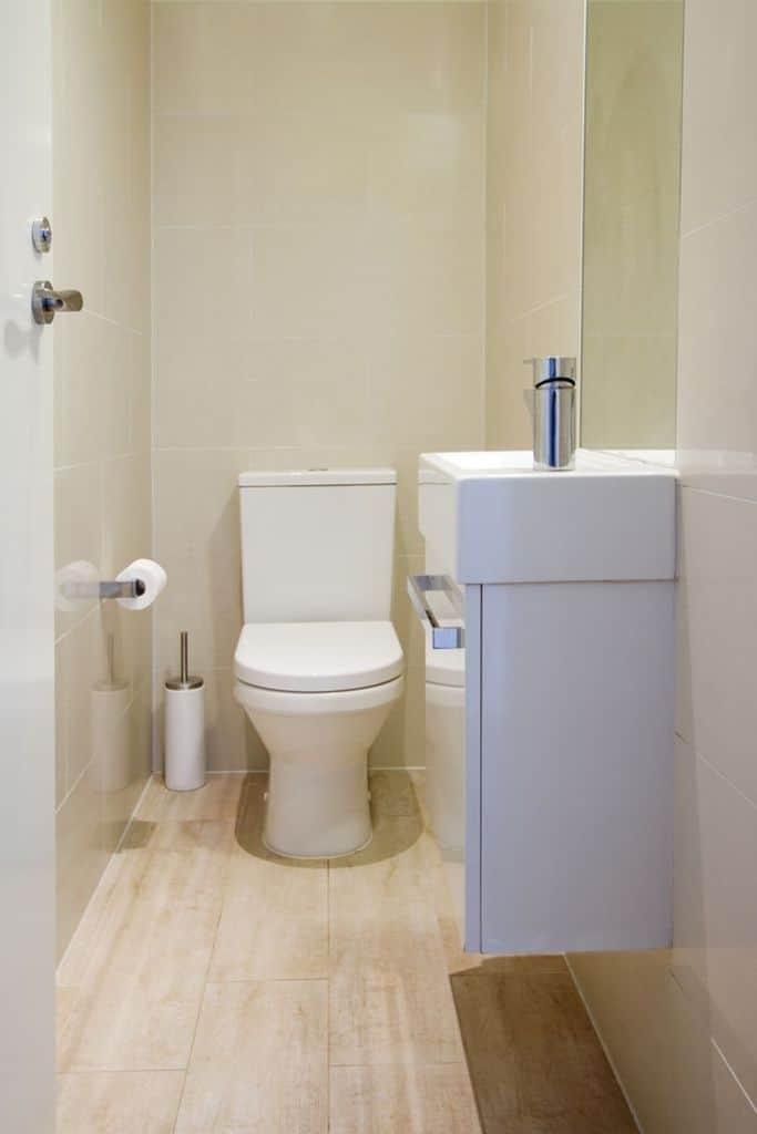 Simple Small Powder Room Ideas 2
