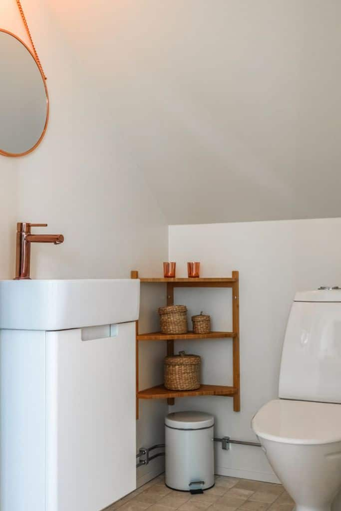 Simple Small Powder Room Ideas 4