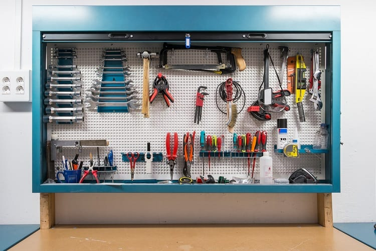 Simple Work Shop Garage Pegboard Ideas