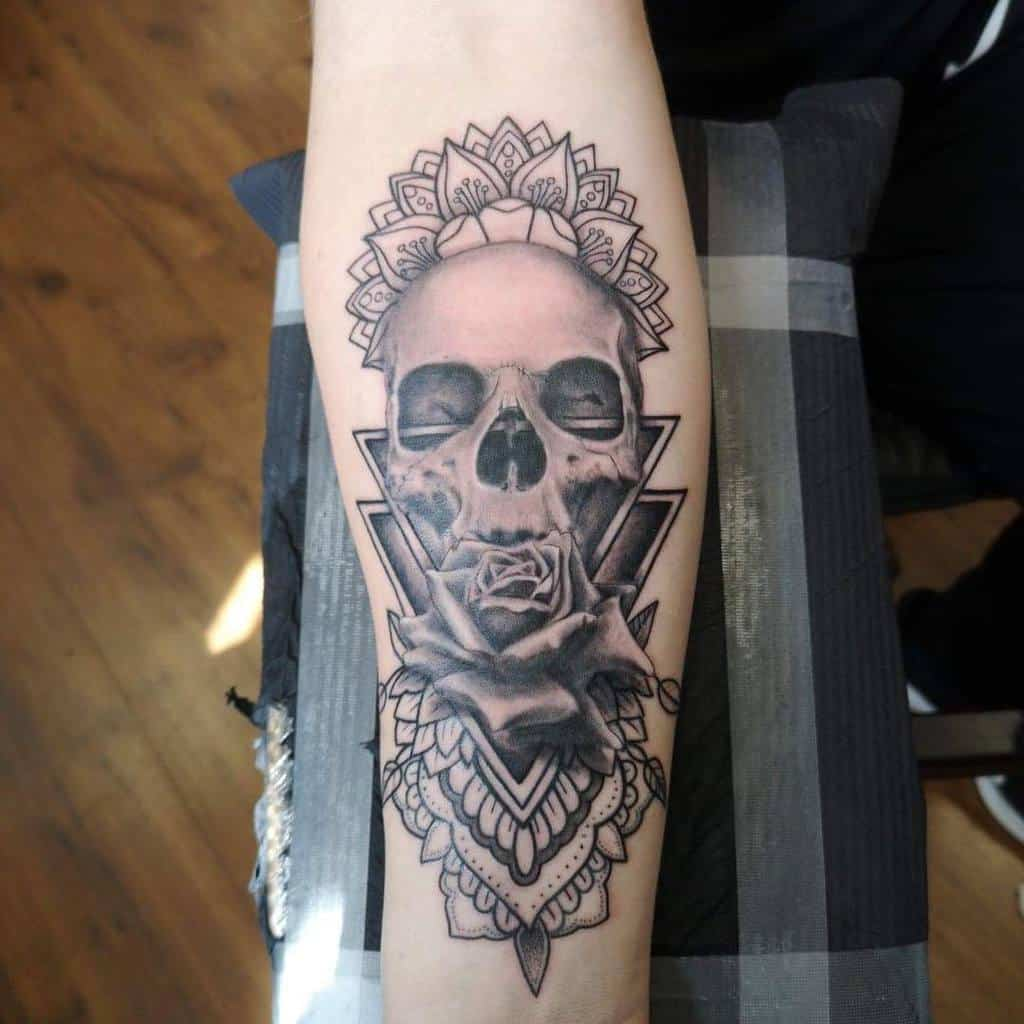 skull-and-rose-forearm-tattoo-mikephillo