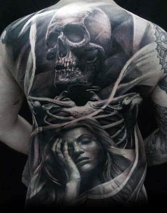 skull-back-mens-tattoo-designs