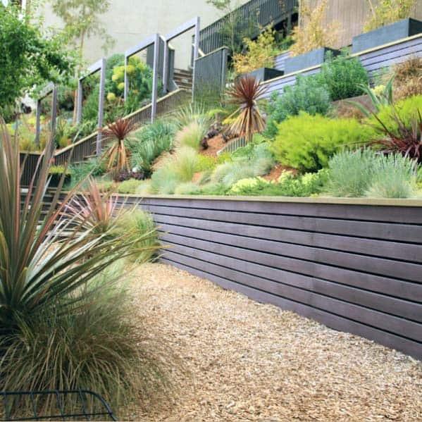 Slope Hill Exterior Gravel Landscaping Design
