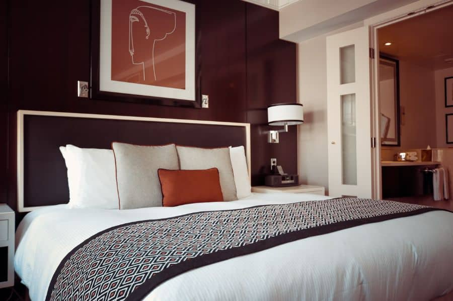 small black and white bedroom ideas 1
