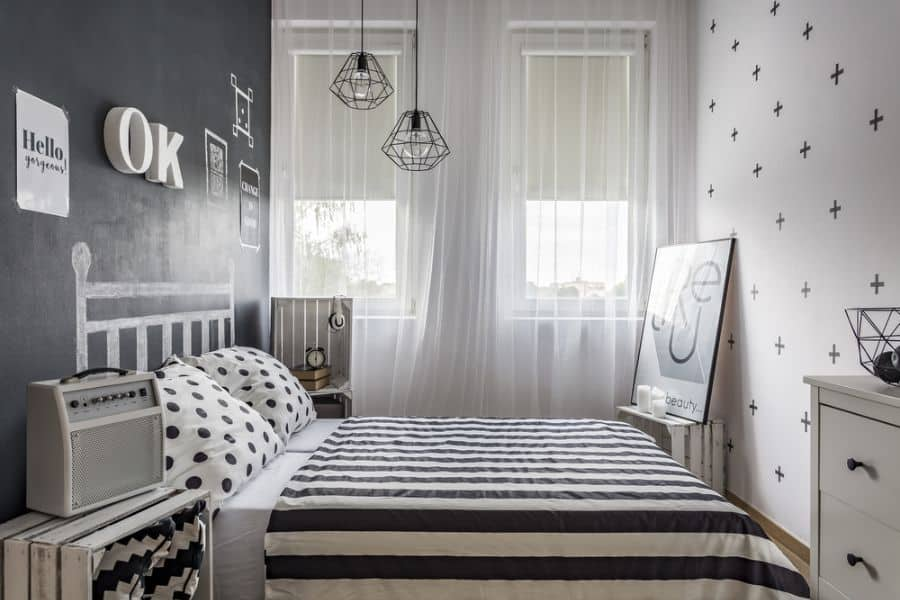 small black and white bedroom ideas 2