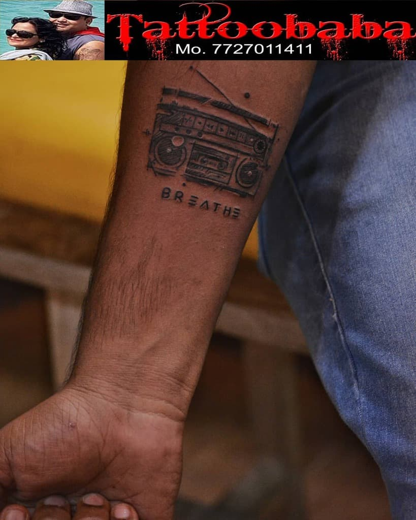 small breathe tattoos saloni__________