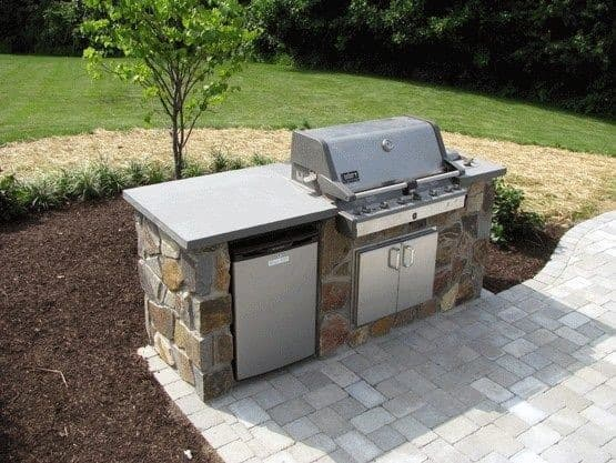 Small Flagstone Built In Grill Home Ideas
