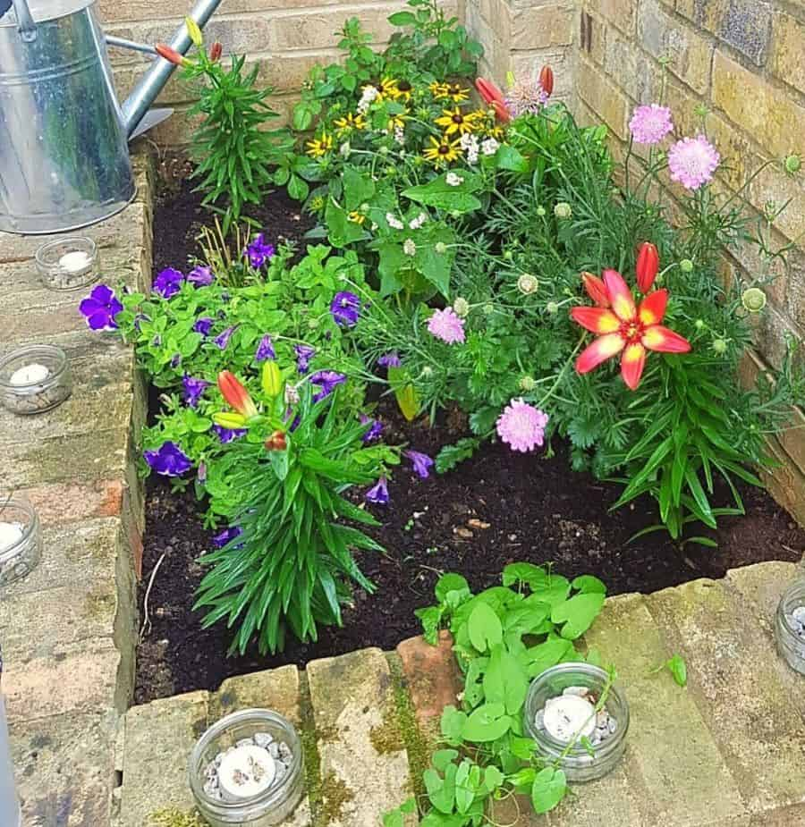small flower bed ideas documenting_no.12