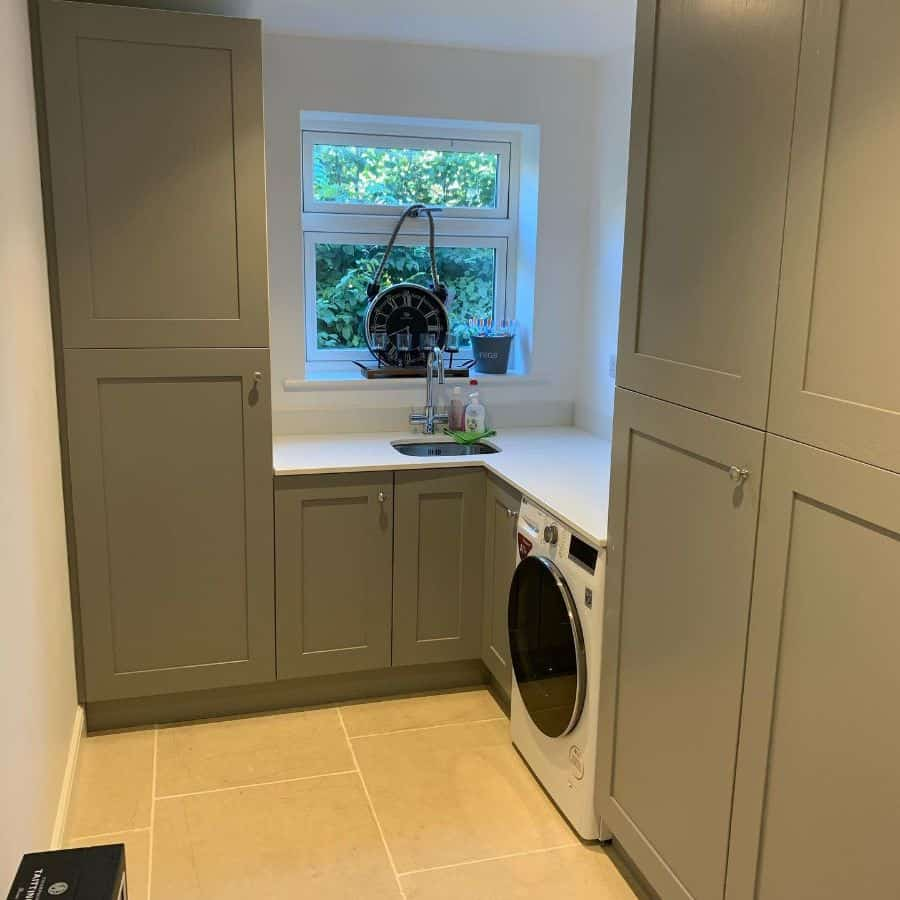 small laundry room sink ideas york_fixer_upper