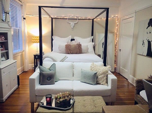 Small Studio Apartment Interior Ideas : canopy-bed-studio-apartment - designwebi.com