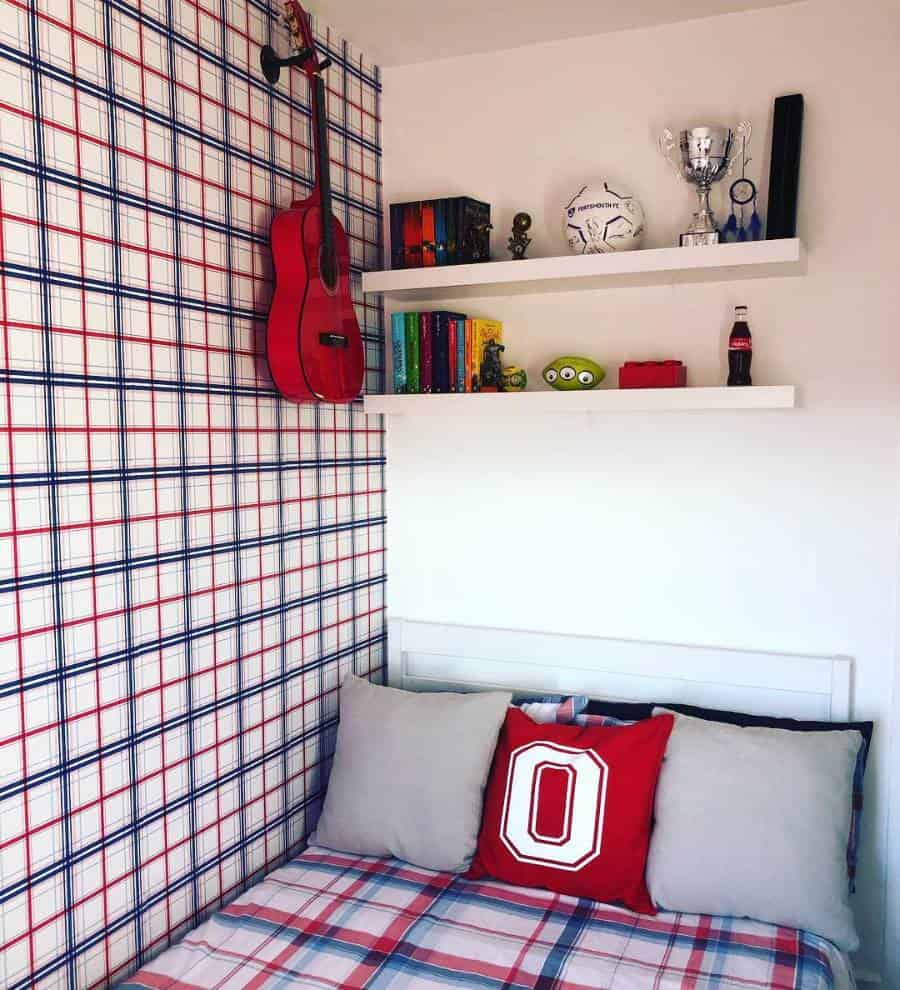 Small Teen Bedroom Ideas