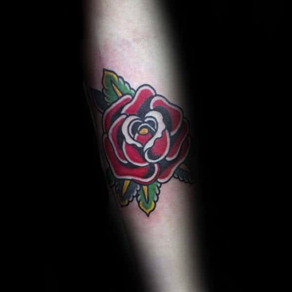 nextluxury small minimalist 1 red rose tattoos