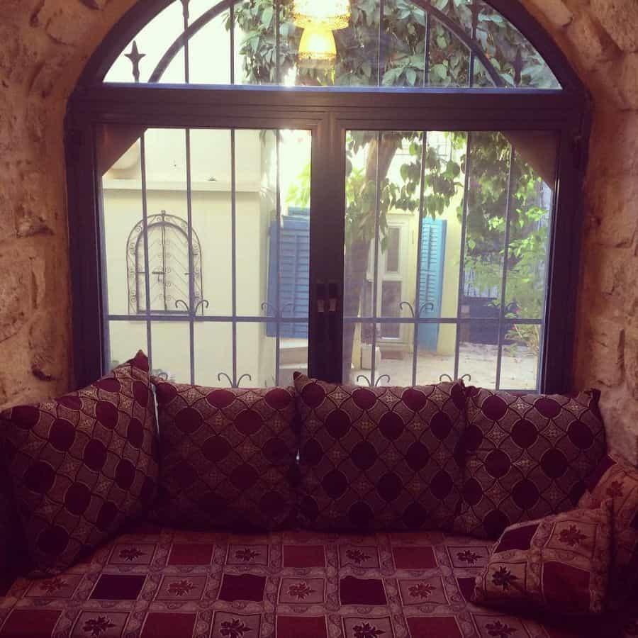 Small Window Seat Livwriv