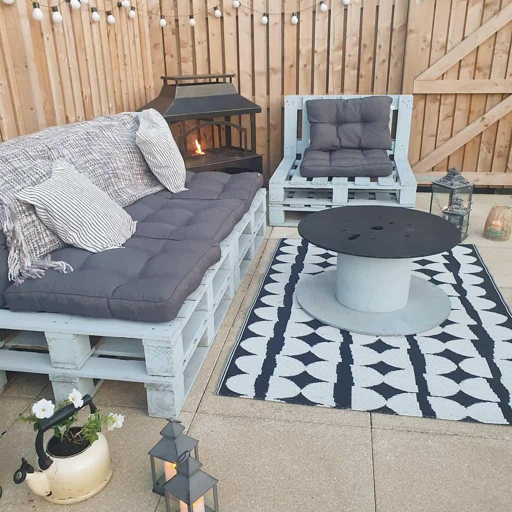 sofa pallet ideas handy_house_and_garden