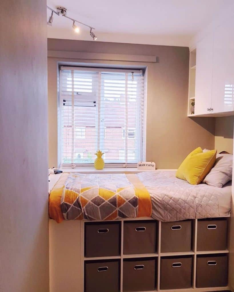 space saving bedroom organization ideas bridges_home
