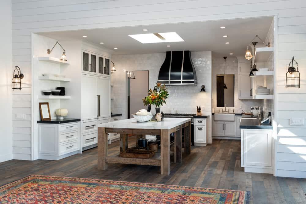 spacious farmhouse kitchen ideas 1