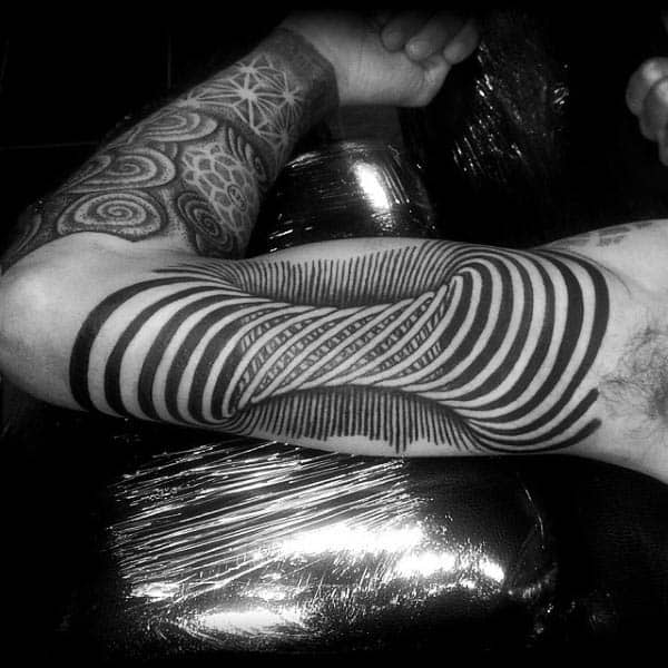 Spiral Bicep Optical Illusion Design Tattoo On Man