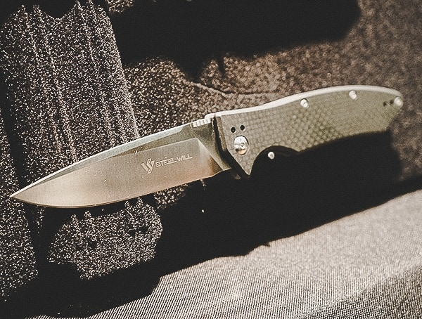 Steel Will Carbon Fiber Folding Knife