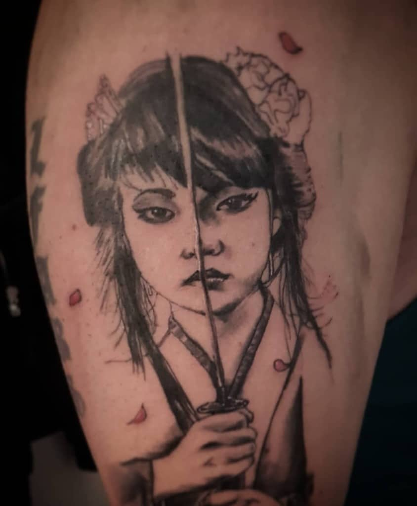 Stencil Kwadron Black And Grey Geisha Tattoo