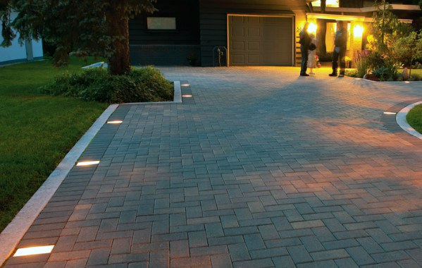 Stone Paver Luxury Driveway Lighting Ideas