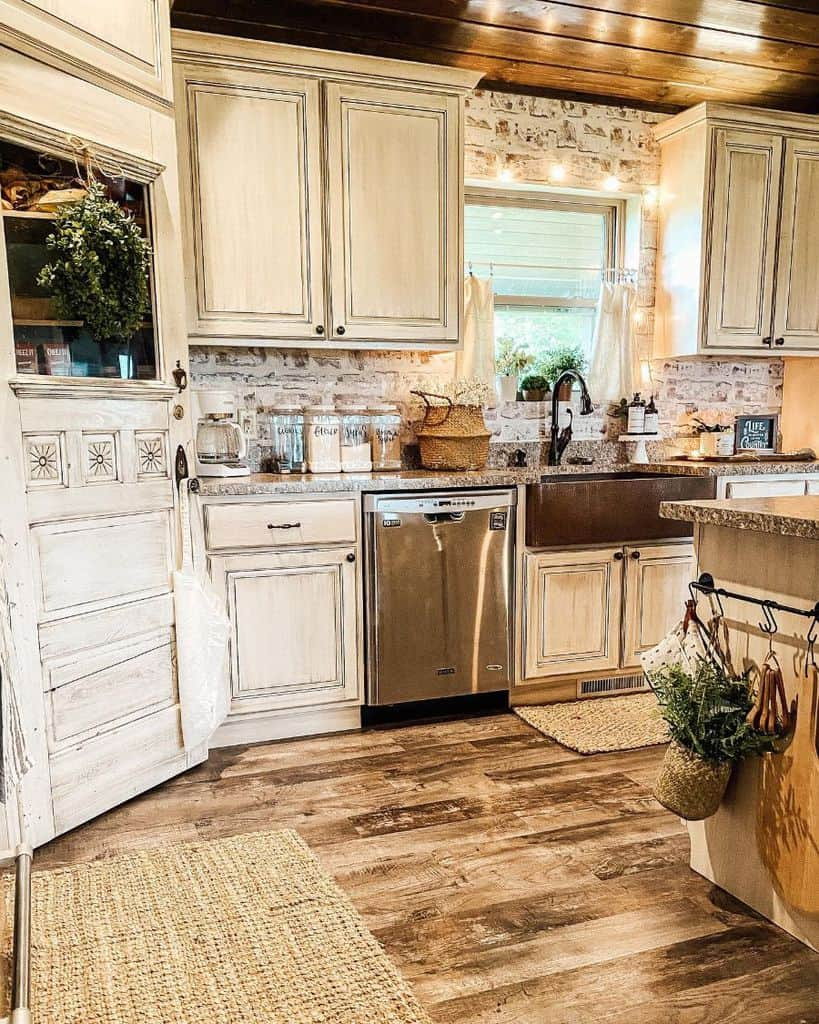 Stone Wall French Country Kitchen Darra.farmhousebeauty