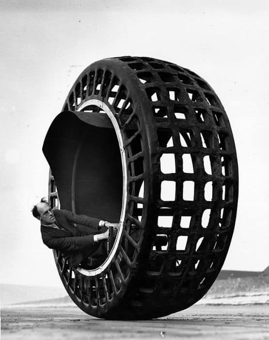 Strange Rotating Wheel Car Designs