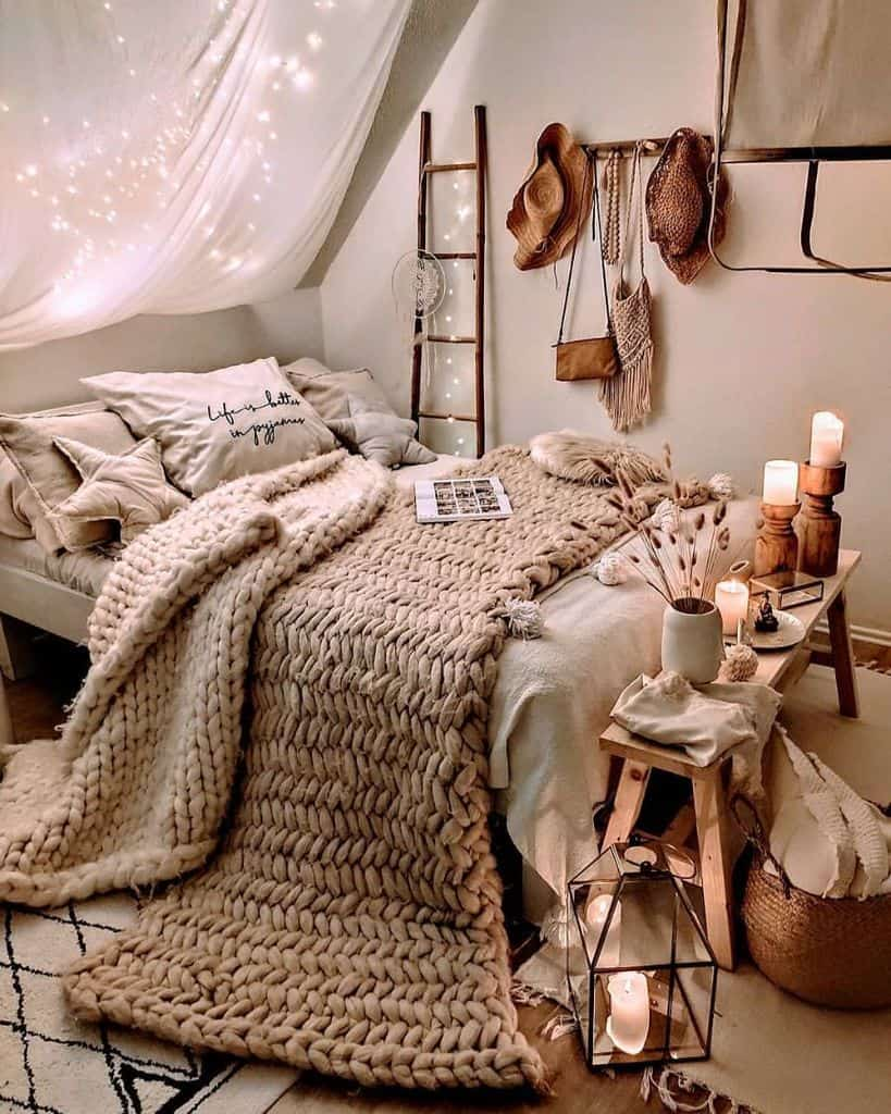 string lights and mood lighting cozy bedroom ideas herzenstimme