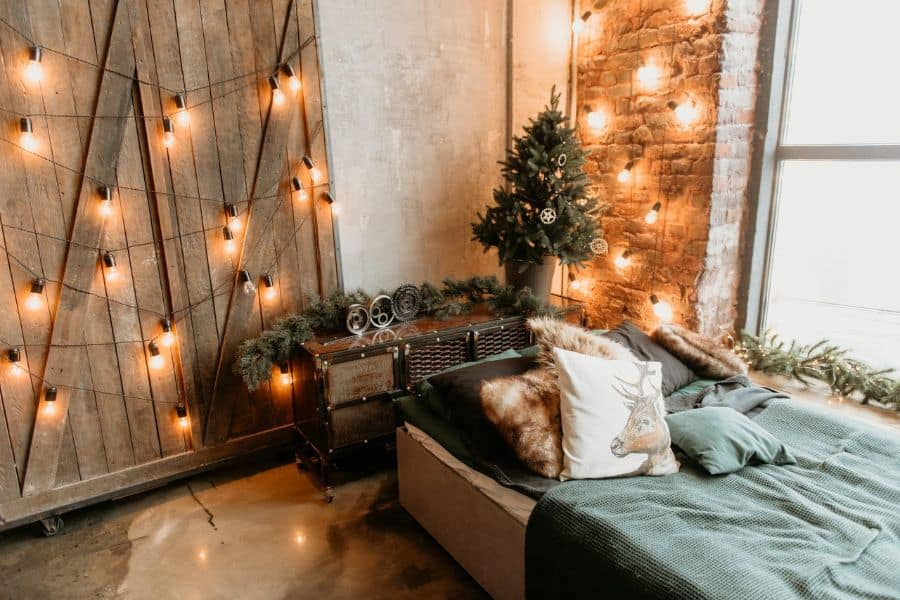 string lights and mood lighting cozy bedroom ideas