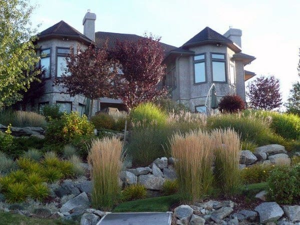 Stunning Back Yard Exterior Slope Landscaping Designs