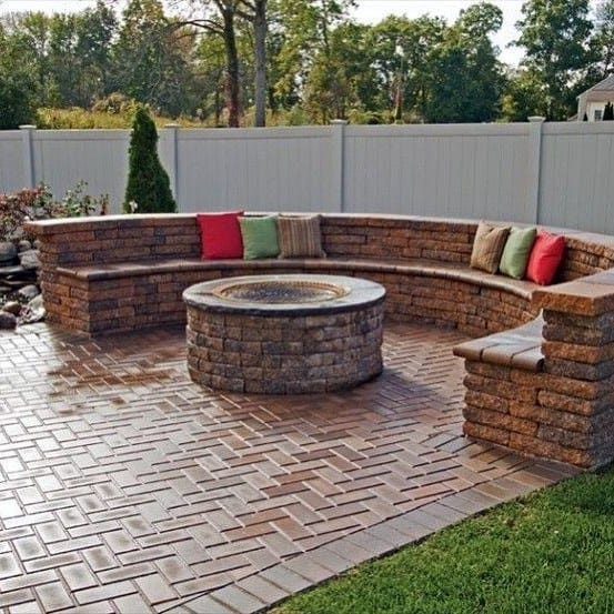 Stunning Backyard Brick Patio Designs
