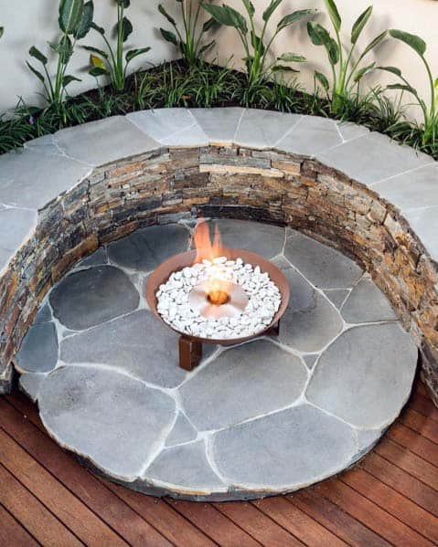 Stunning Backyard Fire Pit Landscaping Designs