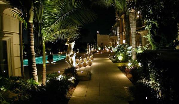 Stunning Exterior Landscape Lighting Designs