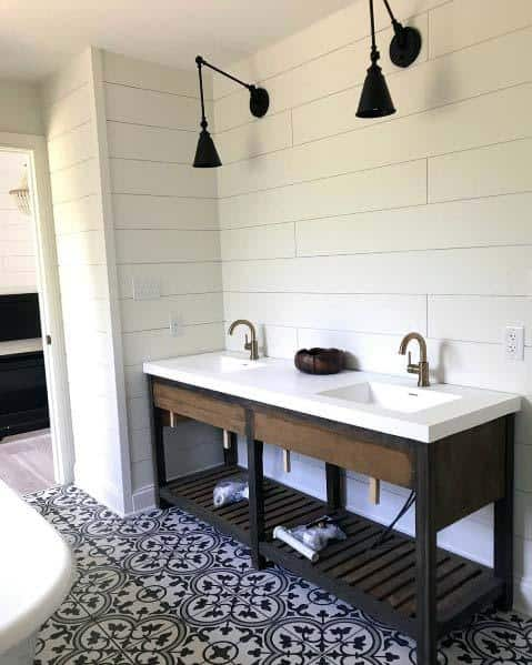 Stunning Interior Shiplap Bathroom Designs