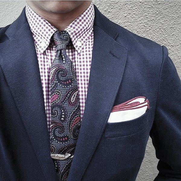 Stylish Male Navy Blue Suit Fashion Ideas With Paisley Tie
