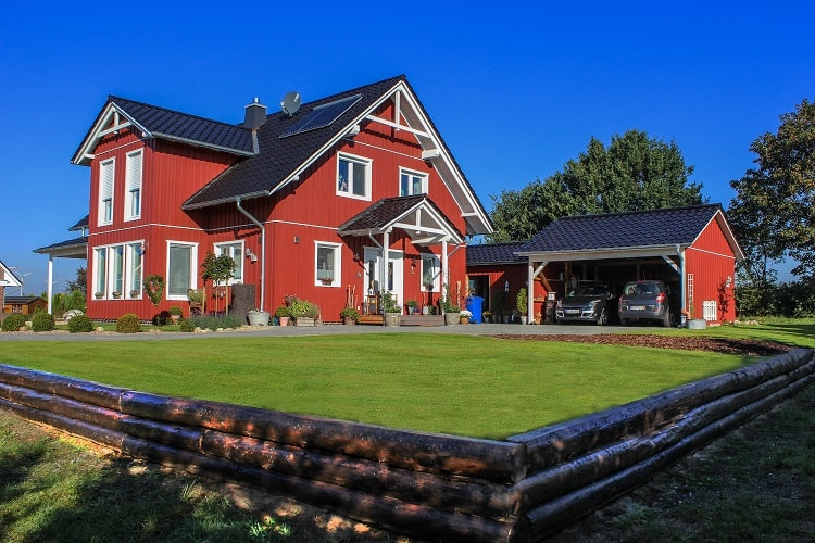 swedish-red-carriage-house-carport