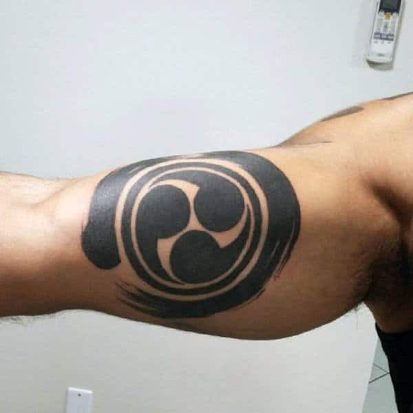 Symbol Enso Guys Blackwork Bicep Tattoos