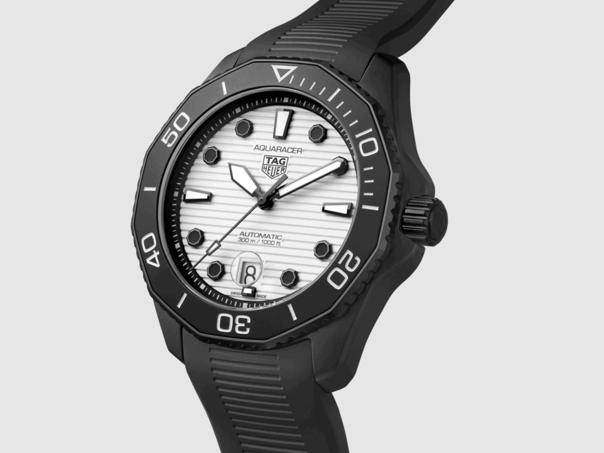 tag-heuer-night-diver-2