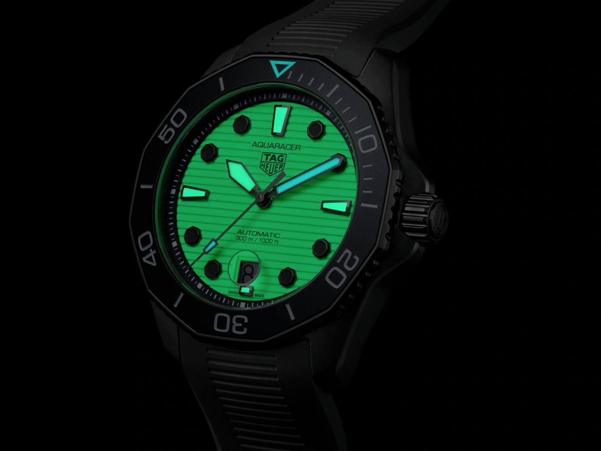 tag-heuer-night-diver-4