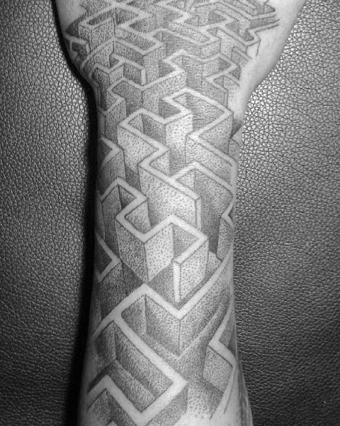 Tattoo Labyrinth Ideas For Guys