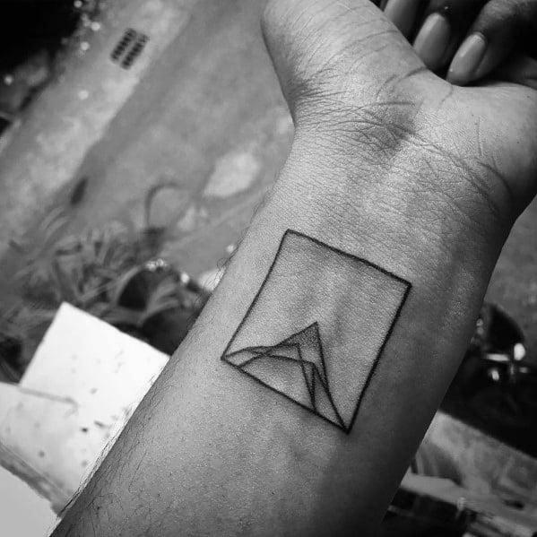 Tattoo Minimalist Mountain Ideas For Guys